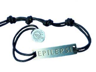 Epilepsiarmband på vit bakgrund